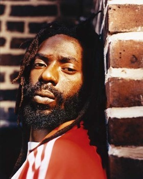 A gun charge, carrying an additional five-year prison term, has been thrown out, meaning that Buju Banton remains on course to serve out his ongoint ten-year sentence on a drug conviction.